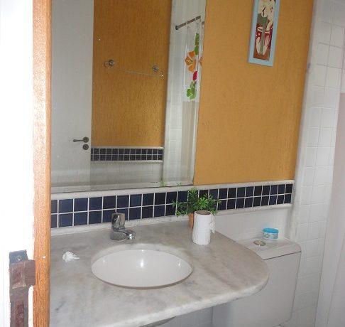banheiro baixo.