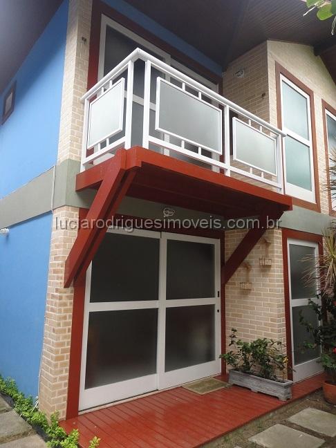 Casa em condomínio 03 quartos – Palmeiras – Cabo Frio