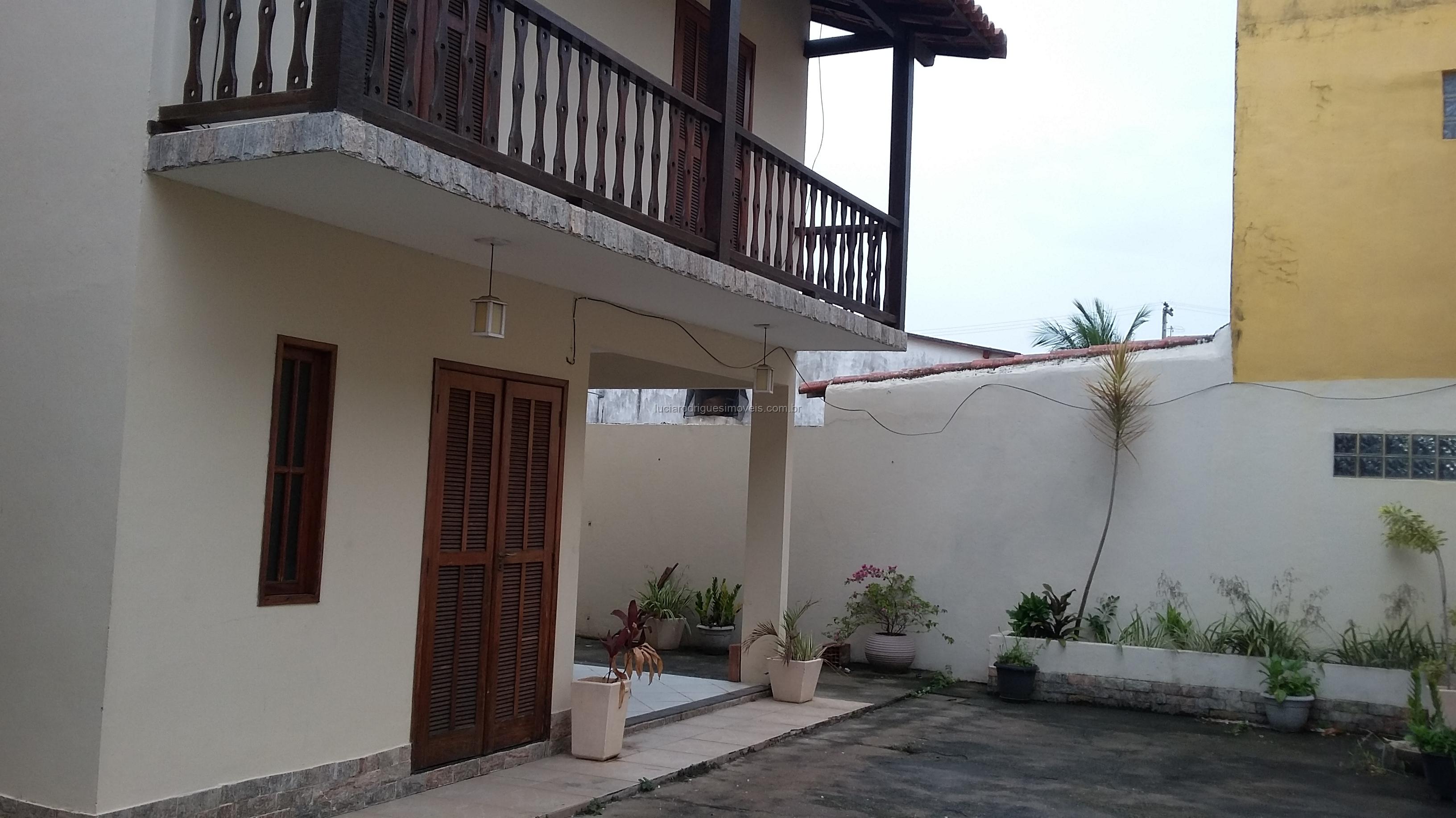 Casa 03 quartos – Parque Burle – Cabo Frio