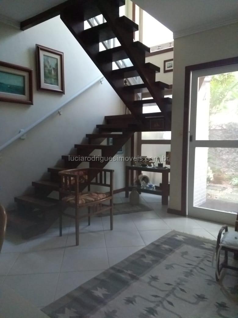 Casa duplex em condomínio 03 quartos – Palmeiras